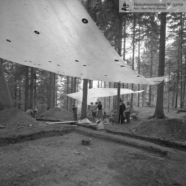 #160614 | Hergiswil LU; Burgstelle Salbüel; Ausgrabung 1982; fwk