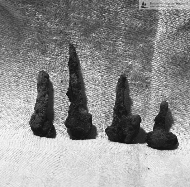 #160623 | Burgstelle Salbüel; Ausgrabung 1982; Fundobjekte: Hufnägel; fwk