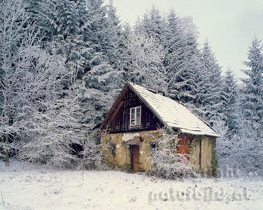 GF-1006 - Hütte im Rauhreif