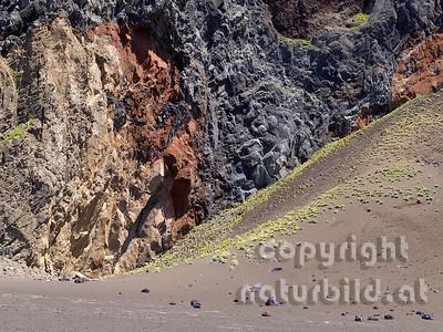 Farben der kargen Vulkanlandschaft bei Capelinhos, Faial, Azoren, Portugal