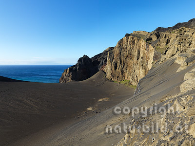 Karge Vulkanküste bei Capelinhos, Faial, Azoren, Portugal