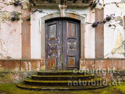 Alte Kirche, Eingang, verfallen, durch das Erdbeben zerstört, Rhiberina, Faial, Azoren, Portugal