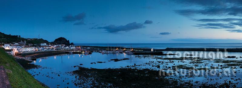Panoramafoto, Hafen, Abendstimmung, nach Sonnenuntergang, Insel Pico, Azoren, Portugal,