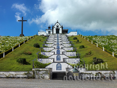 Prunktreppe zur Kirche, bei Vila Franca do Campo, Insel Sao Miguel, Azoren, Portugal,