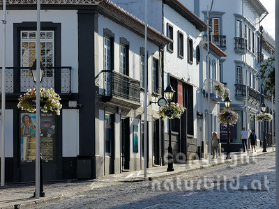 Einkaufsstraße, im Zentrum, Angra do Heroismo, Insel Terceira, Azoren, Portugal,