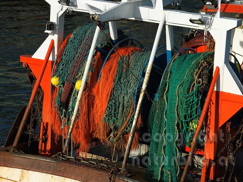16B-05-209 - Bunte Fischernetze