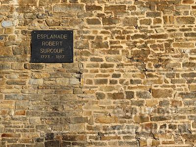 16B-01-35 - Stadtmauer von Saint-Malo