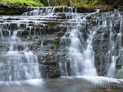 15-IR-07-09 - Kaskaden beim Glencar Wasserfall