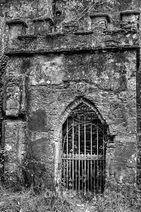 10-16-65 - Tor vor Dunboy Castle