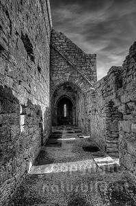 10-17-28 - Seitenschiff der Corcomroe Abbey