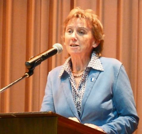 Hoher Besuch: Die  Präsidentin des Kantonsrates, Frau Irene Keller, bei ihrem Begrüssungswort.