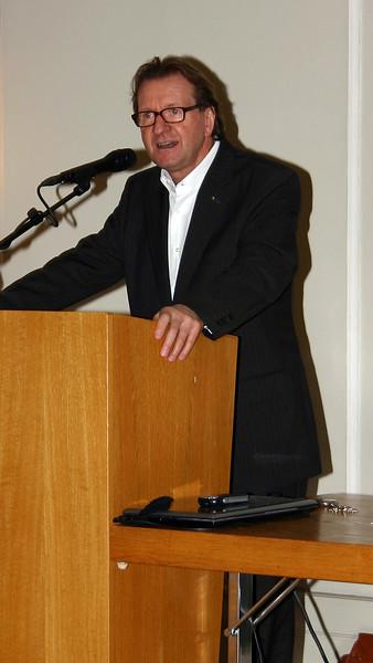 Der 'höchste' Zofinger, Stadtammann Hans-Ruedi Hottiger, bei seinen erklärenden und ehrenden Grussworten.