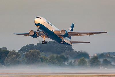 Star Air / Boeing 767-200 / OY-SRO