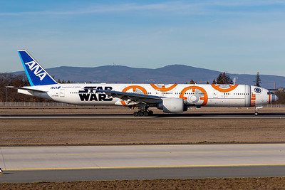 ANA All Nippon Airlines / B77W / JA789A / Star Wars