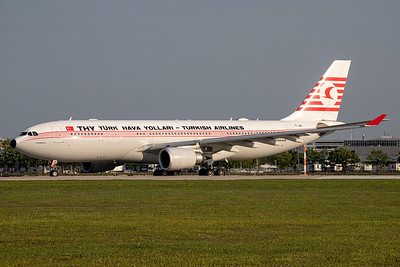 Turkish Airlines / Airbus A330 / TC-JNC