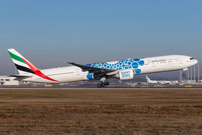 Emirates / B77W / A6-EPD / Blue Expo