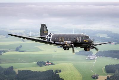 Private / Douglas DC-3 / N74589