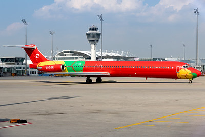 DAT - Danish Air Transport / MD-82 / OY-RUE / Coca Cola