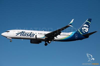 Alaska Airlines / B737-800 / N562AS