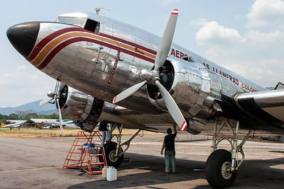 "ARALL - Aerolineas Llaneras / Douglas C-47A ""Skytrain"" / HK-2663"
