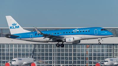 KLM Cityhopper / Emrbraer E175STD / PH-EXT