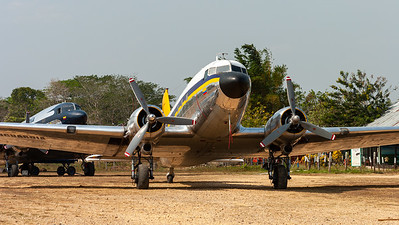 Aerovanguardia Colombia / Douglas C-47A Skytrain / HK-3199