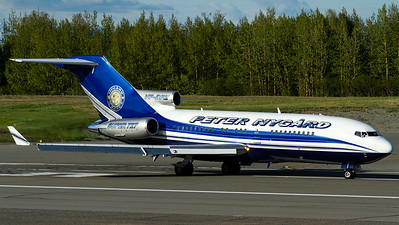 Peter Nygard / B727-17(RE) / VP-BPZ