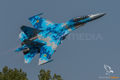 Ukraine Air Force 831st Brigade / Sukhoi Su 27-UB1M Flanker / B-1831M1 71 Blue