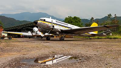 "Aerovanguardia / Douglas C-47A ""Skytrain"" / HK-3199"