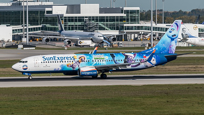 SunExpress / Boeing B737-8HC / TC-SNU / Shaun Movie Ufo Alarm Livery