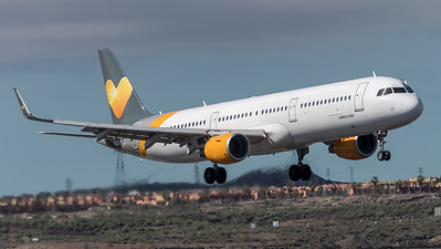 Sunclass Airlines / Airbus A321-211(WL) OY-TCE