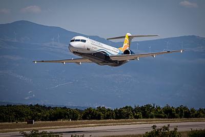 Idealtours/Trade Air / Fokker 100 / 9A-BTE