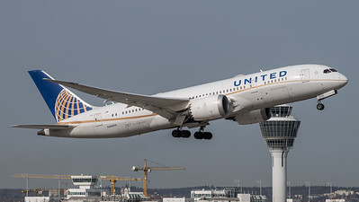 United / Boeing 787-8 Dreamliner / N26909
