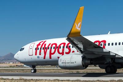Pegasus / Boeing B737-8GJ(WL) / TC-IZI