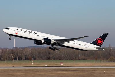 Air Canada / Boeing 777-300 / C-FIUR