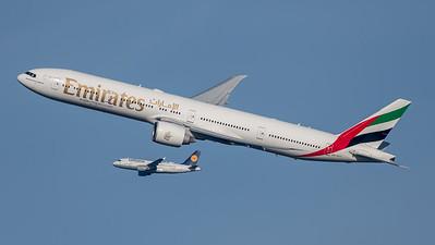 Emirates / Boeing B777-31H(ER) / A6-ECT