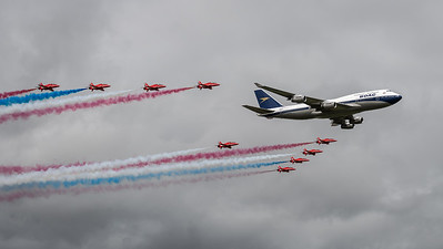 British Airways & Red Arrows / Boeing B747-436 & BAe Systems Hawk T.1 / G-BYGC