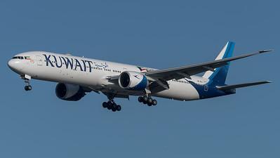 Kuwait Airways / Boeing B777-369(ER) / 9K-AOJ
