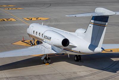 Private / Gulfstream G450 / N104AR