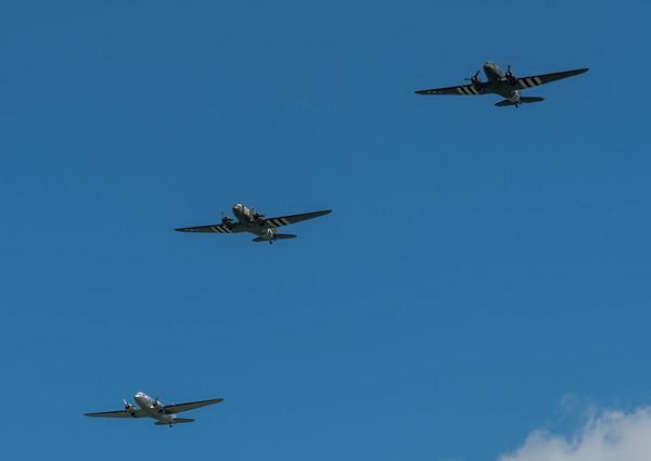 "Tunison Foundation ""Placed Lassie"" & Hugo Mathys ""Airborne"" & Historic Flight Foundation ""Pan American System"" / Douglas C-47A & Douglas R4D-6 / N150D 43-15087 & N74589 42-24064 & N877MG"