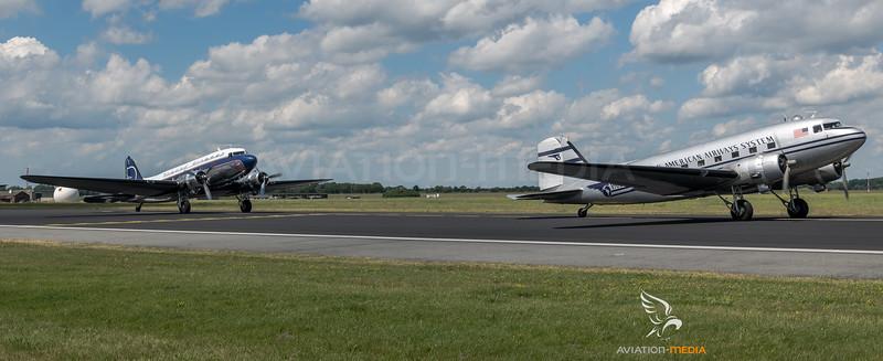 "Historic Flight Foundation ""Pan American System"" & JB Air Services ""Legend Airways"" / Douglas R4D-6 & Douglas C-47 / N877MG & N25641"