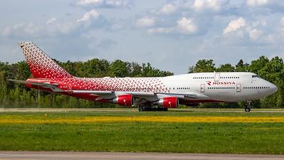 Rossiya Boeing B747-412 EI-XLM