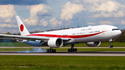 Japan Air Devense (Government) Boeing B777-3SB(ER) N509BJ
