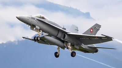 Swiss Air Force McDonnell Douglas F/A-18C Hornet J-5008