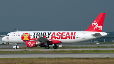 Air Asia Airbus A320 9M-AFA (Truly Asean livery)