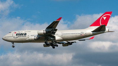 NWA - Northwest Airlines Boeing B747-400 N617US