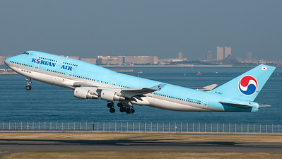 Korean Air Boeing B747-400 HL7607