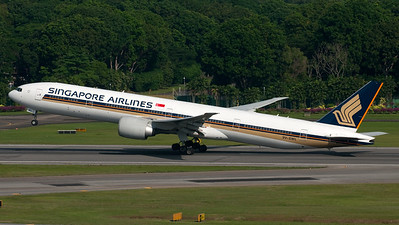 Singapore Airlines Boeing B777-300 9V-SWL