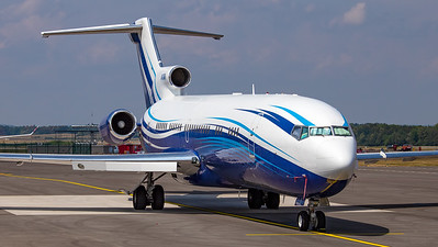 Starling Aviation Boeing B727-200 M-STAR