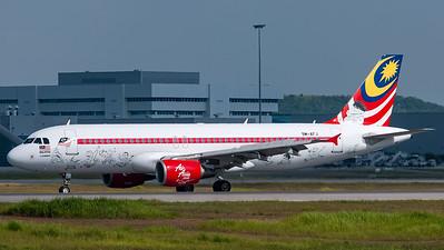 Air Asia A320 9M-AFJ Cartoon livery
